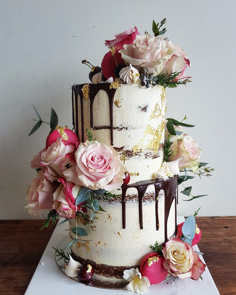 2 tier cake with chocolate drip